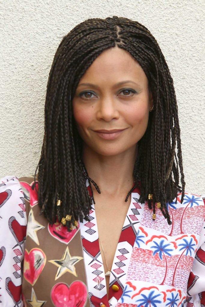 Thandie Newton model rambut bob sebahu