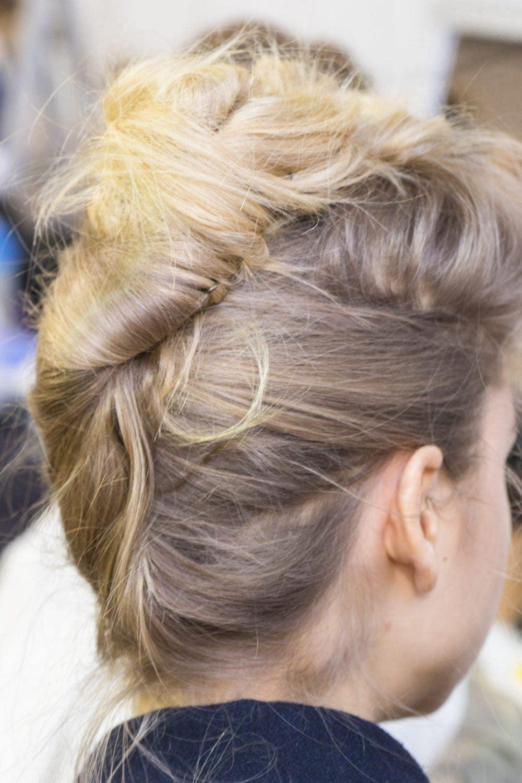 Model rambut pesta French twist