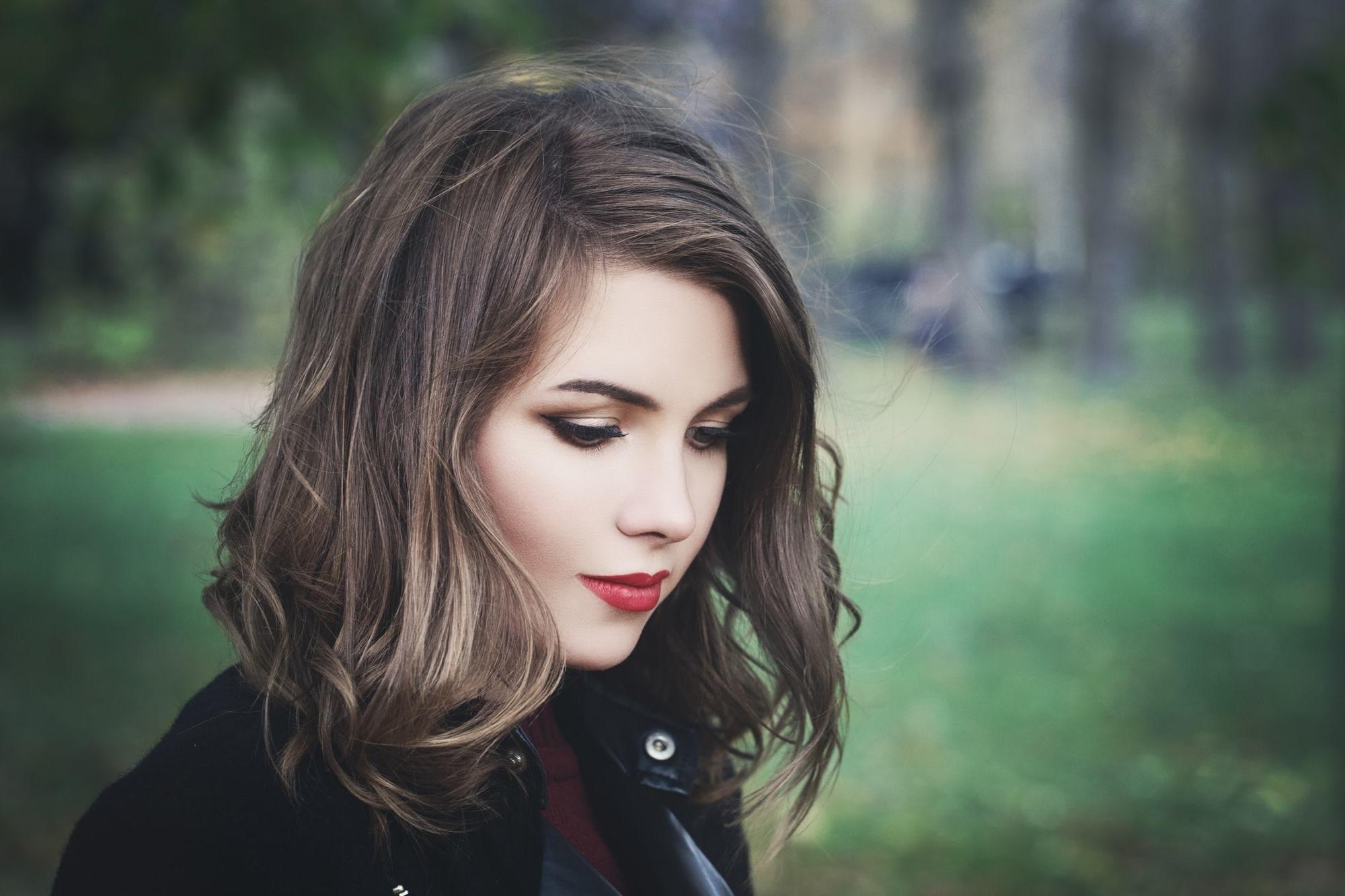 Model Rambut Pendek Untuk Rambut Tebal Mengembang Seputar Model