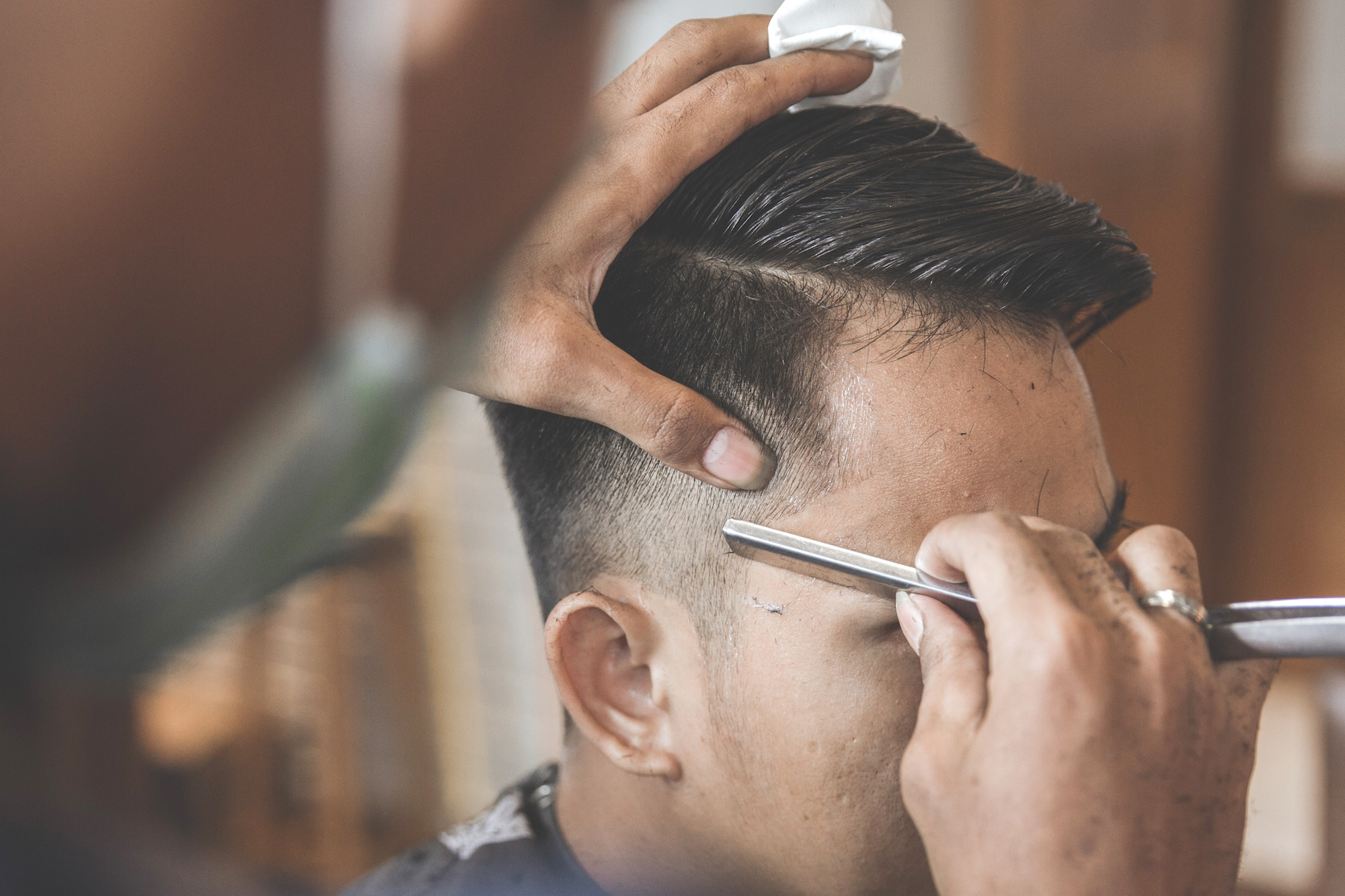 pengguntingan-gaya-rambut-fade