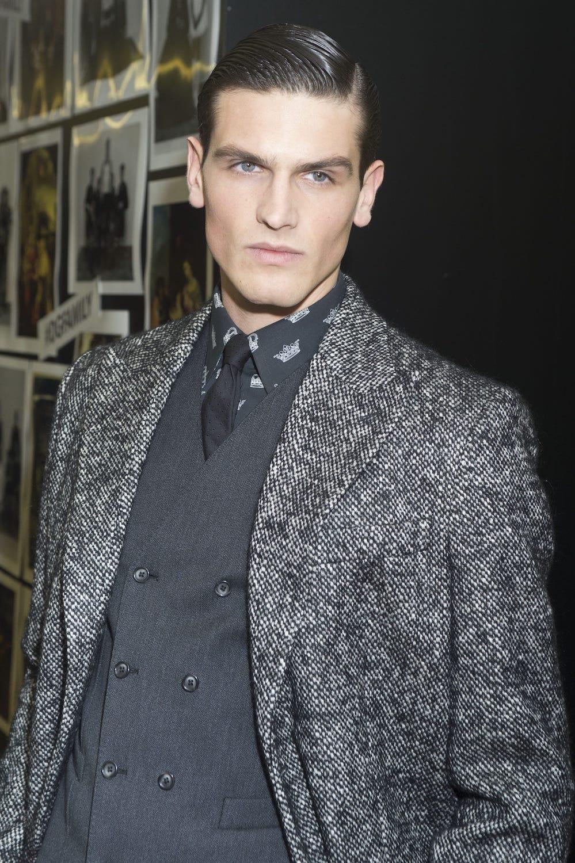 15. pria kaukasia dengan model rambut cepak ivy league