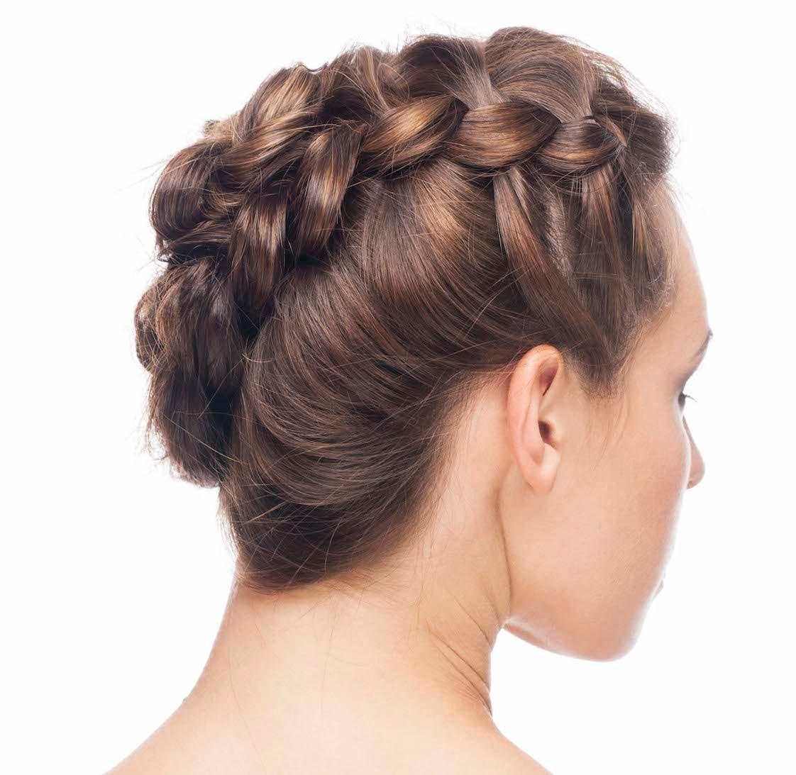 19 Model Kepang Rambut Pendek untuk Tampilan Modern