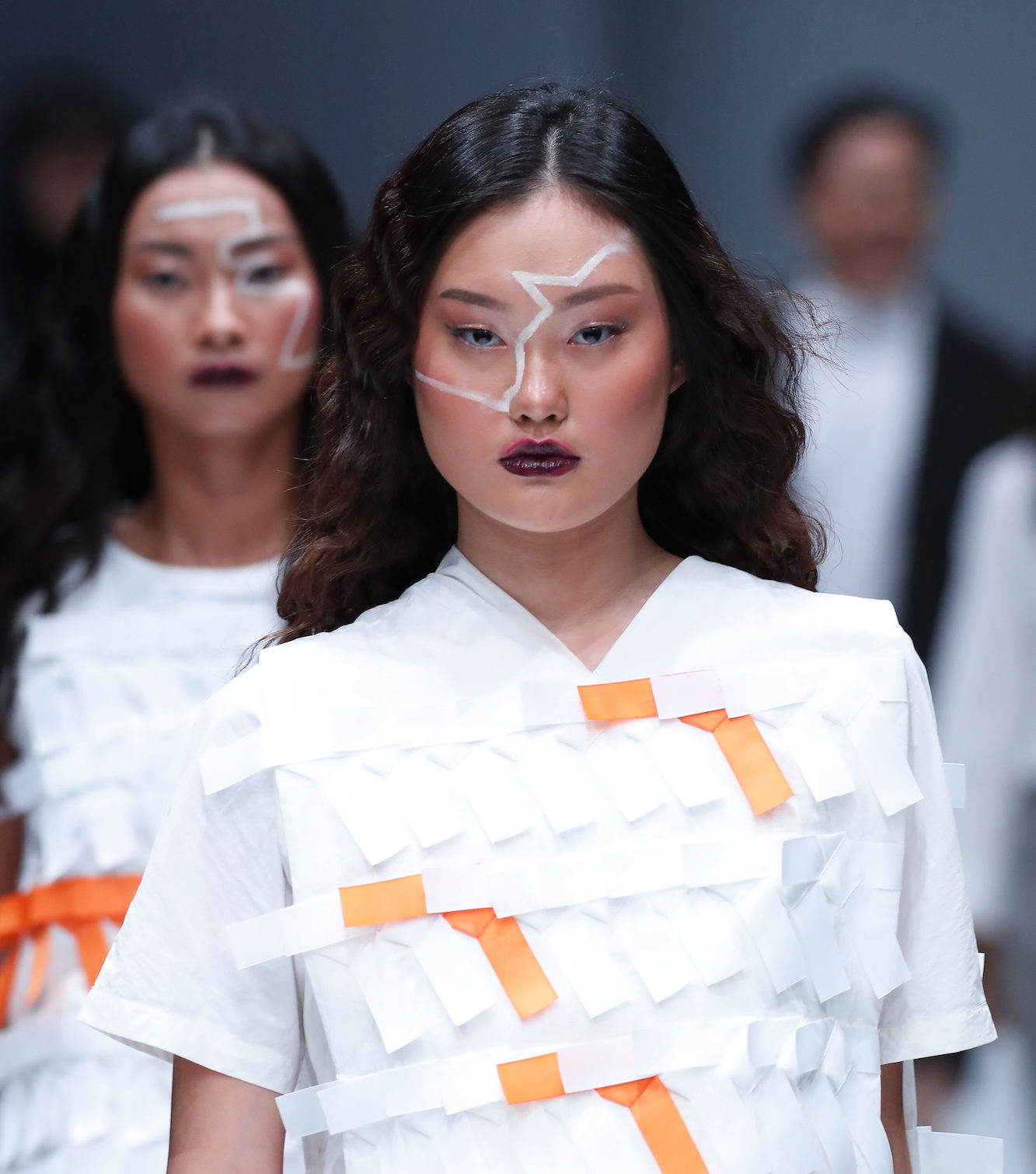 Trend model rambut runway gaya mool gyul ombre cokelat jfw 2018 danjyo hyoji