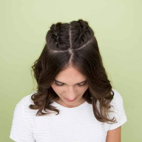 20 Cara Menata Rambut Pendek Ke Pesta Yang Mudah