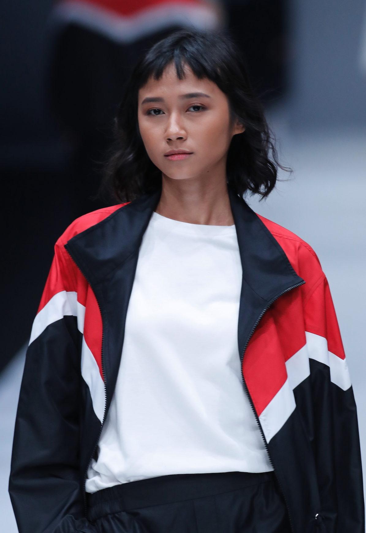 Tren model rambut runway gaya micro bangs jfw 2018 Rani Hatta