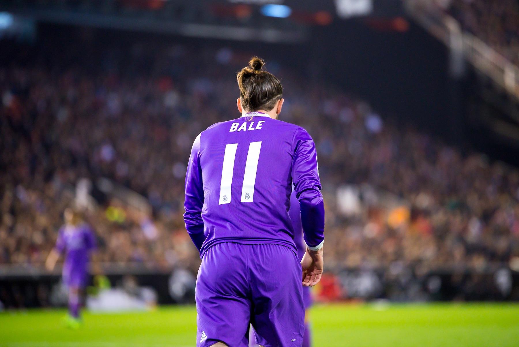 Gareth Bale gaya rambut pemain sepak bola.