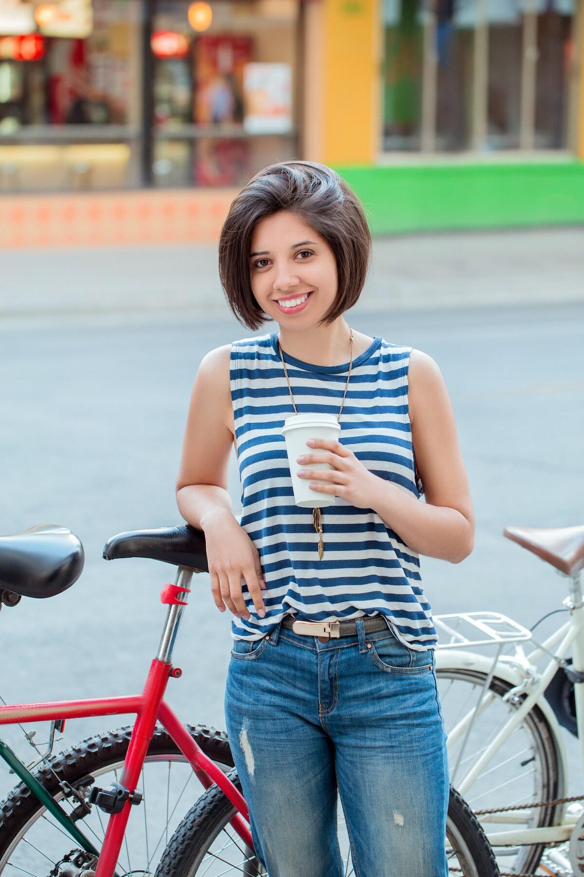 5. wanita kaukasia dengan model rambut bob untuk rambut tipis graduated bob