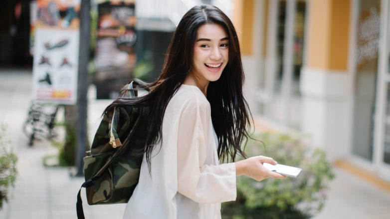 wanita asia dengan rambut hitam merk conditioner yang bagus untuk rambut kering
