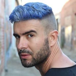 6 Cara Meluruskan Rambut Pria Dari Catok Hingga Masker Rambut