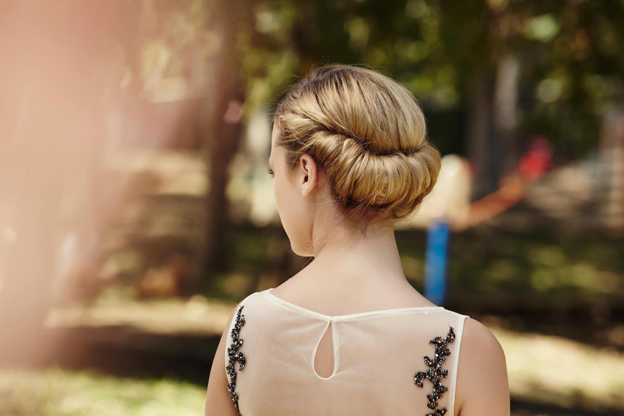 Curi Perhatian Dengan 20 Tatanan Rambut Pesta Simpel Terpopuler