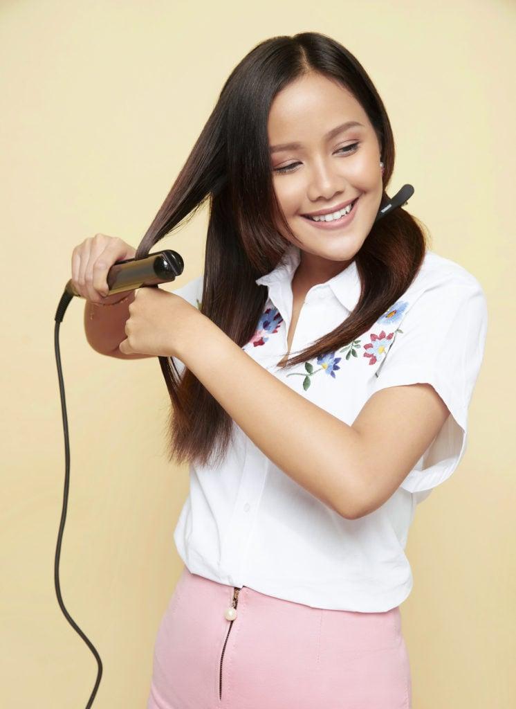 cara mengeriting rambut dengan catok - mencatok rambut.