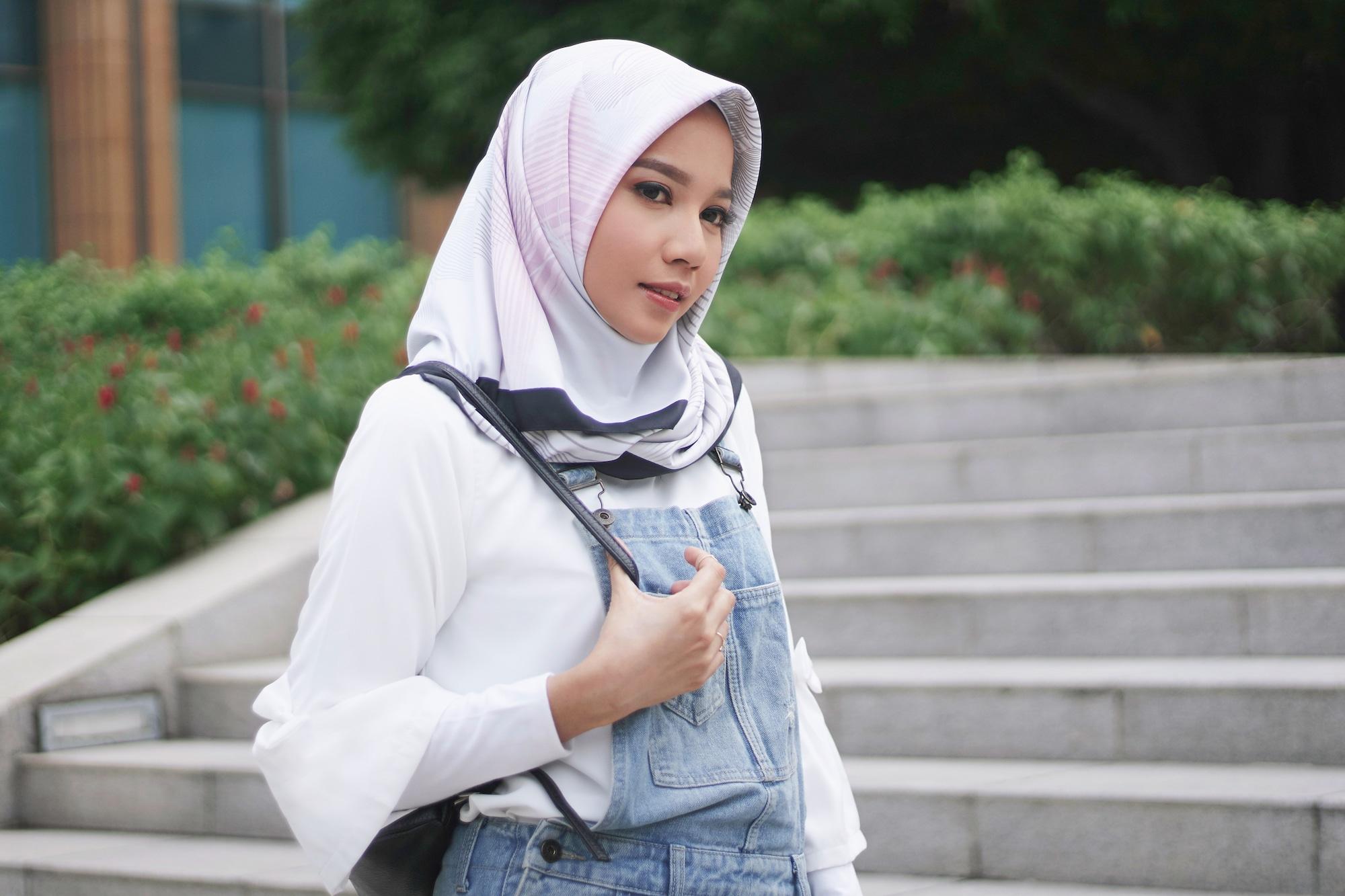Tutorial Hijab Segi Empat Untuk Gaya Sehari Hari Yang Kasual