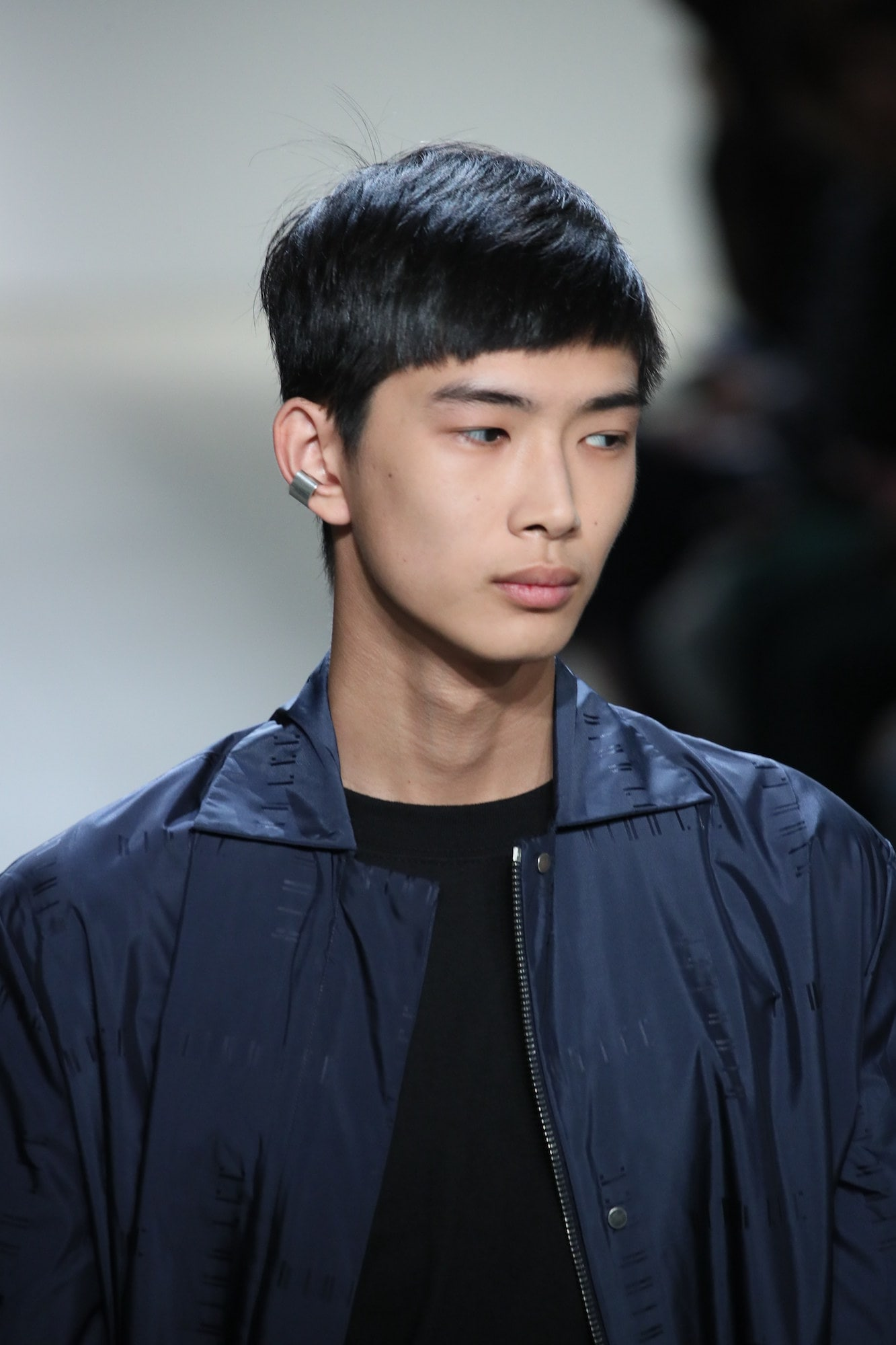 Gaya rambut tipis pria model modern French crop