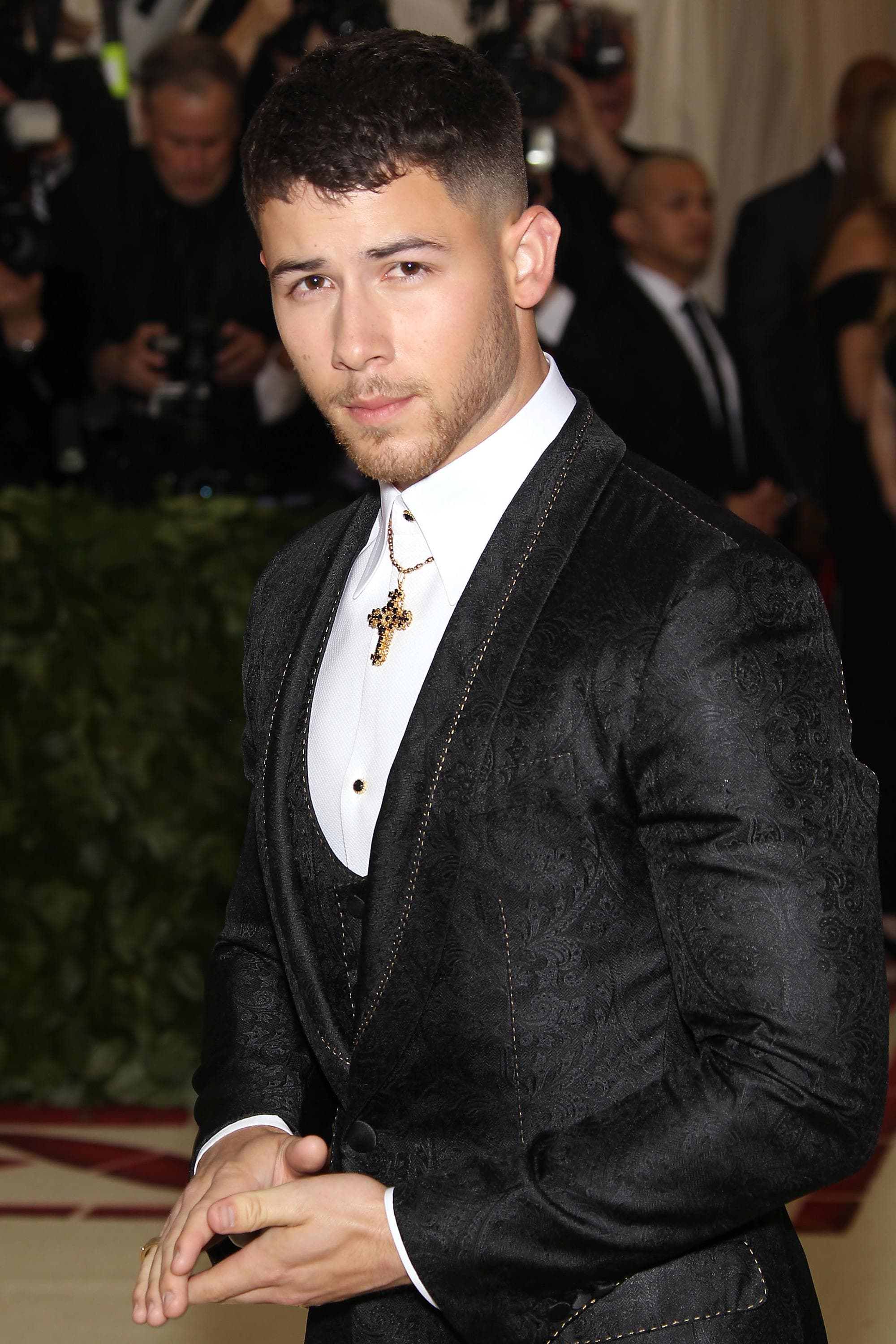 French crop Nick-jonas.