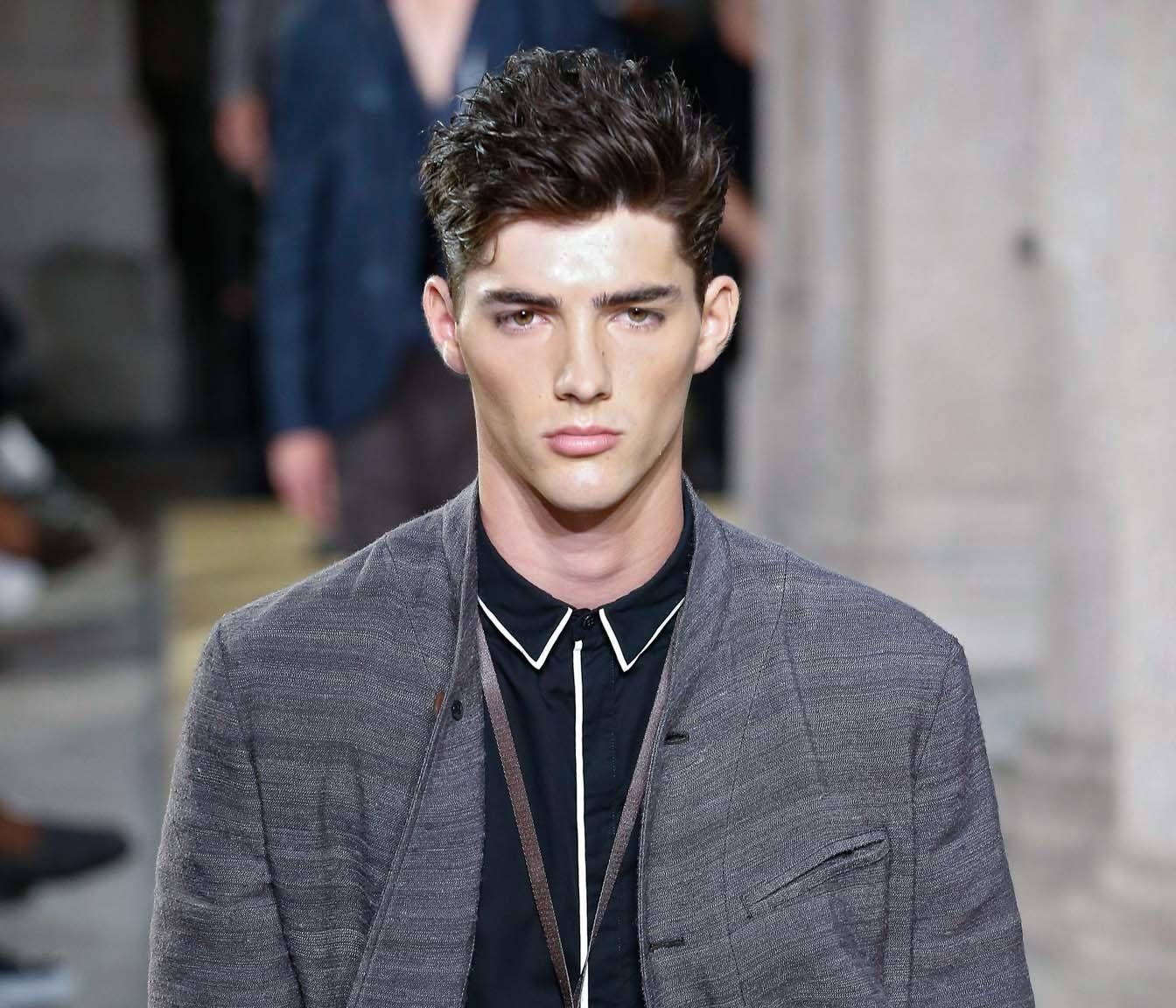 19 Gaya rambut ikal pria yang keren dan trendi - All ...