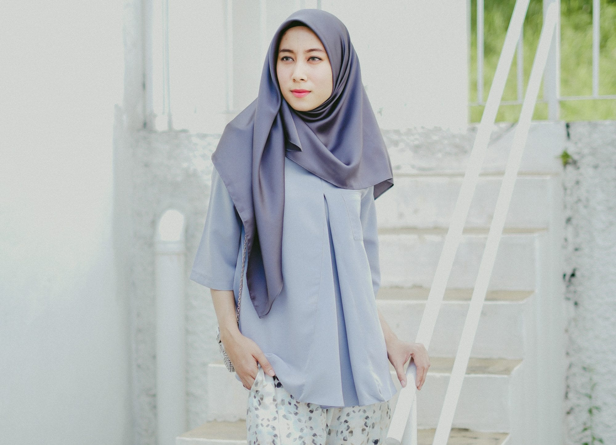 Tutorial Gaya Hijab Untuk Wajah Bulat Yang Simpel Dan 5 Variasinya