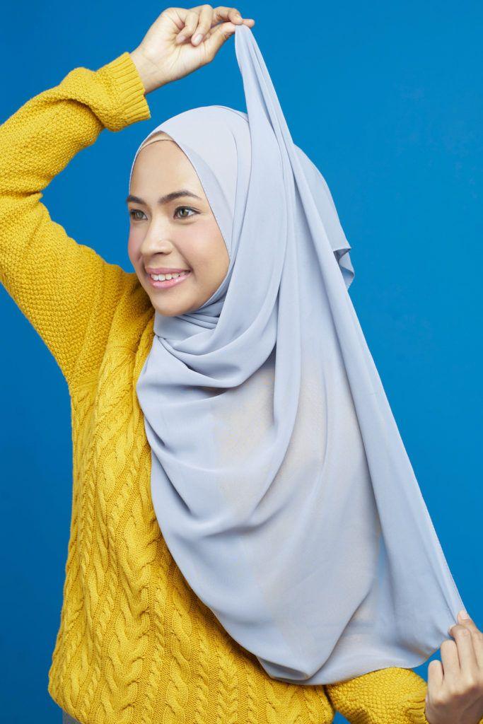 Step 3 - Gaya hijab untuk wajah bulat.