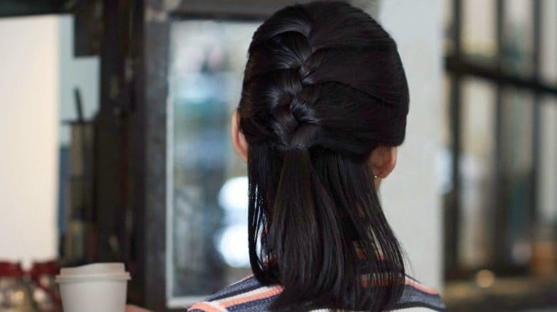 cara-menata-rambut-pendek-kepang-rambut-half-updo-782x439.jpg