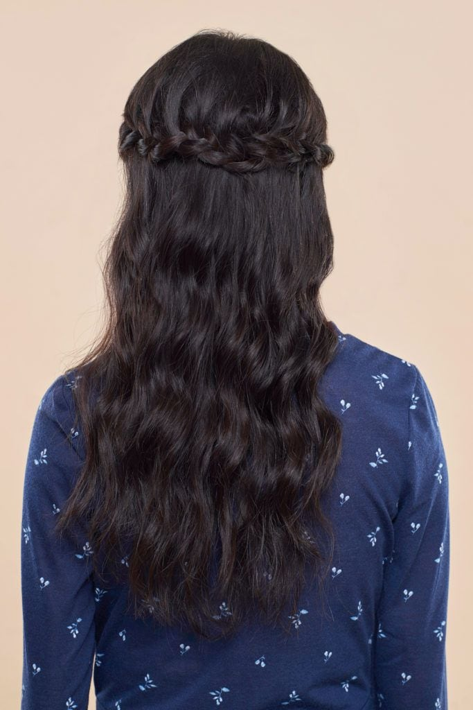 Model rambut half crown braid