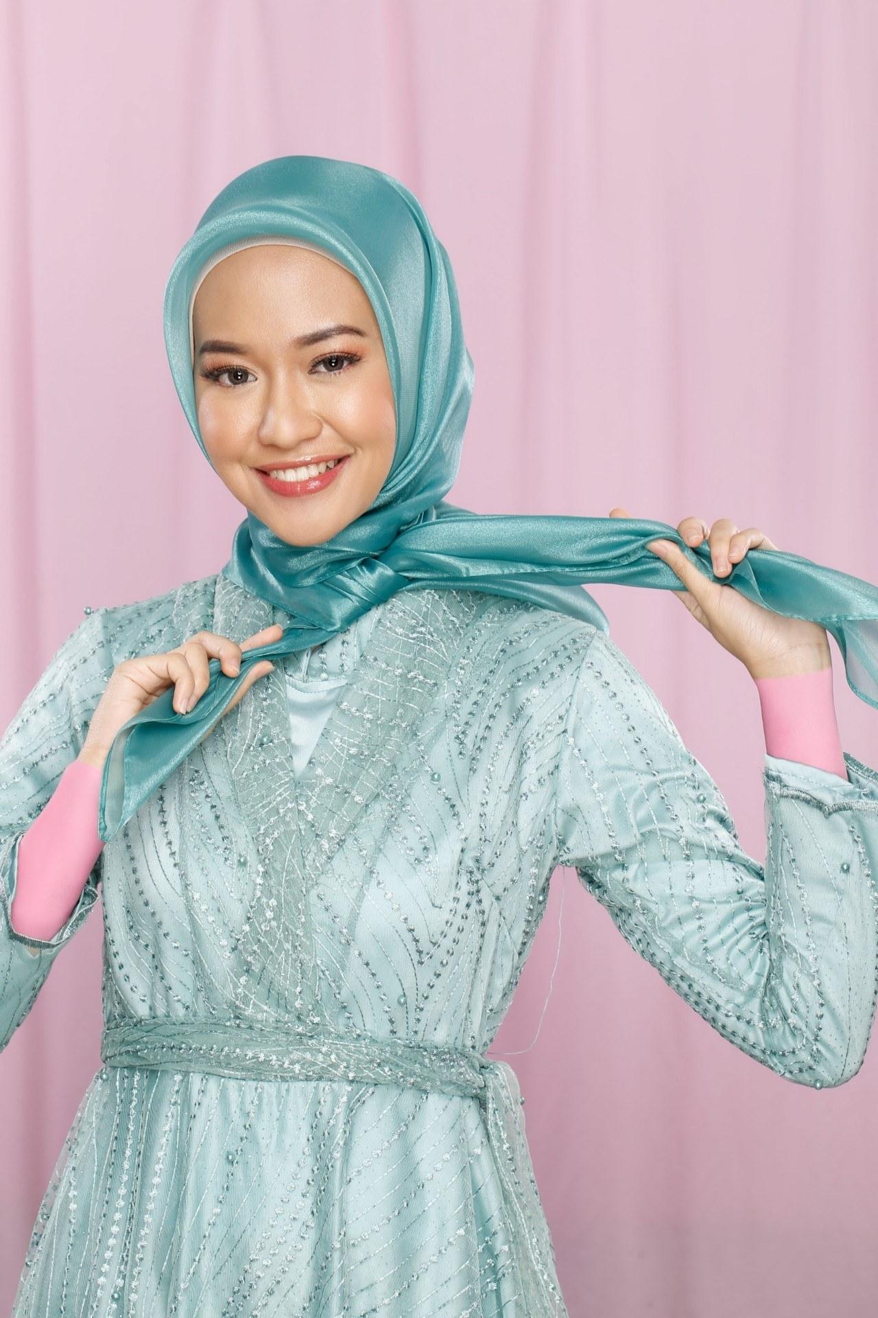 Kompilasi 8 Tutorial Hijab Pesta Modern di Bawah 8 Menit (VIDEO)