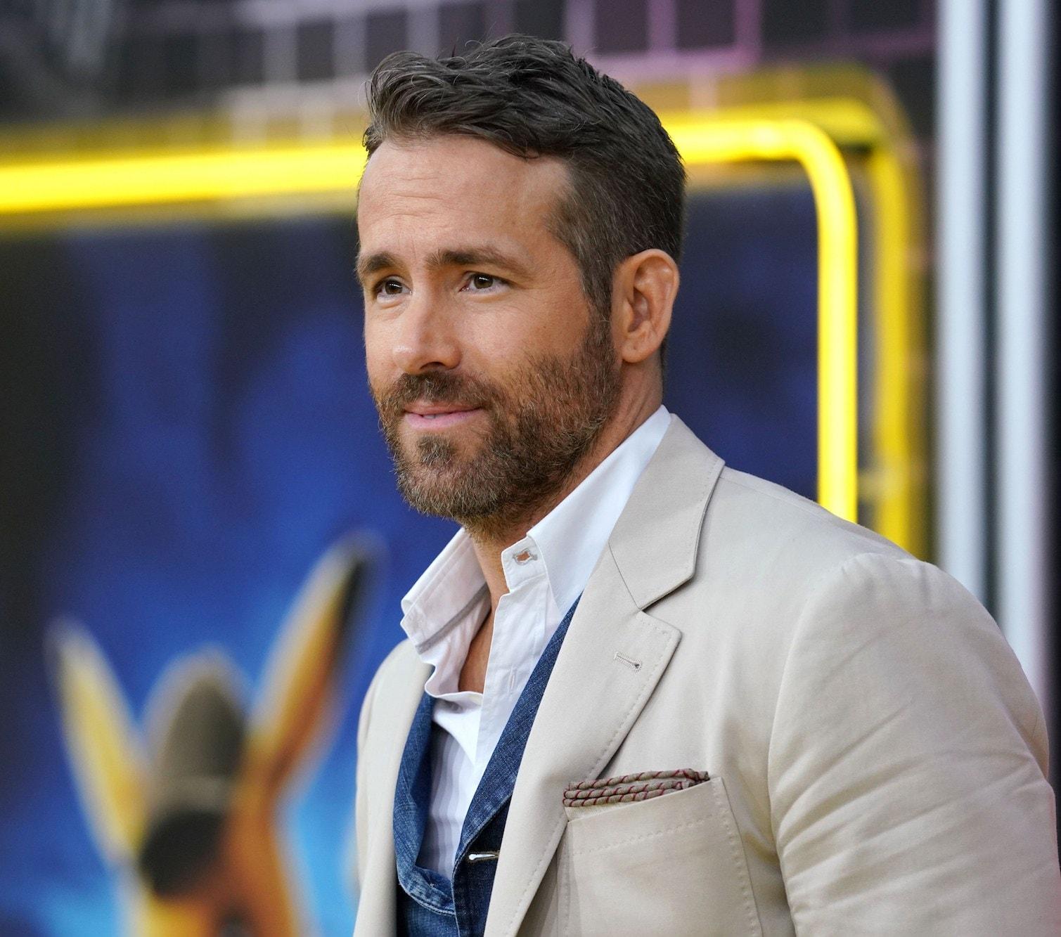 Side swept dengan tekstur pada Ryan Reynolds