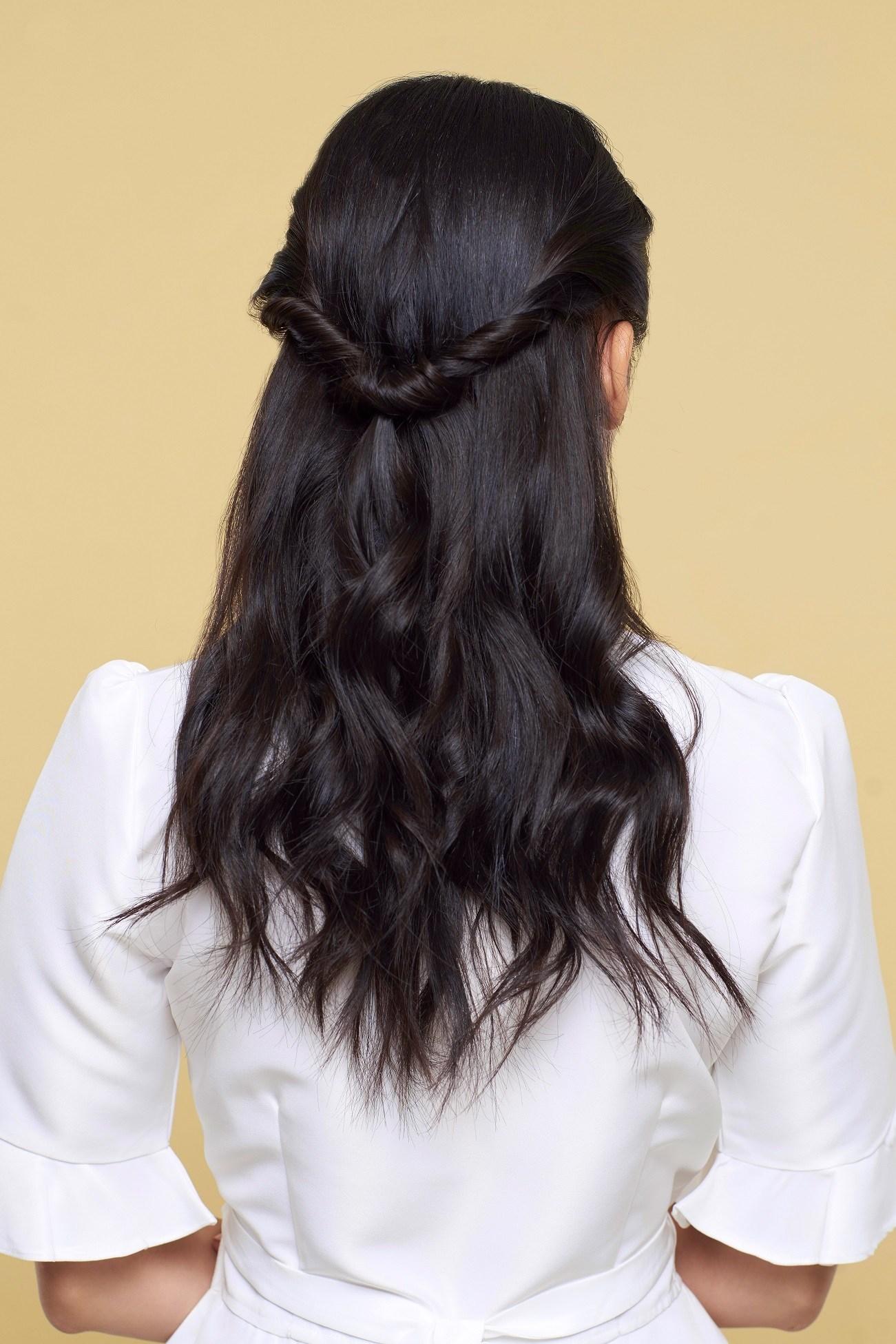 7 Cara Menata Gaya Rambut Prom Dalam Waktu Singkat
