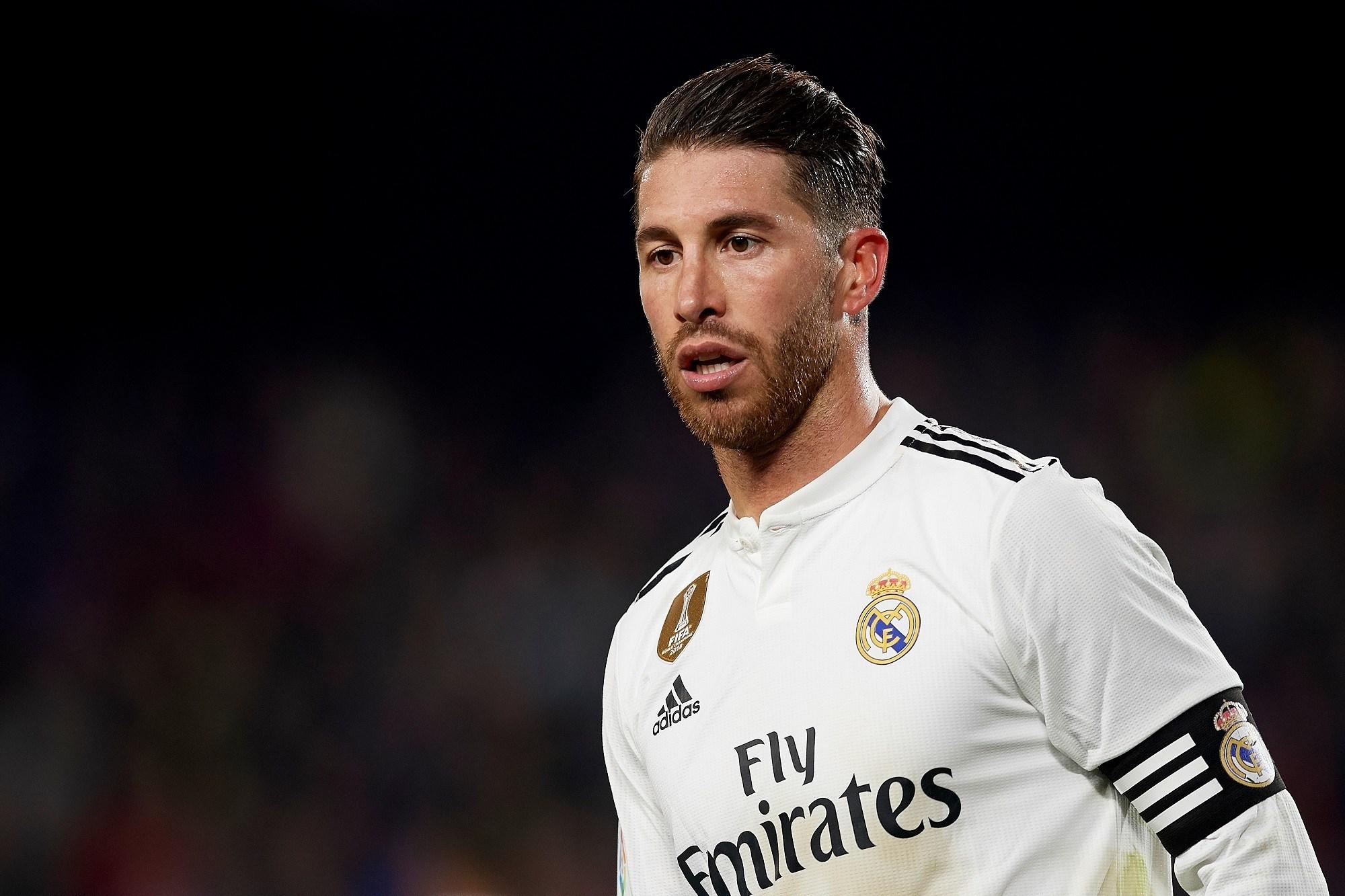 Gaya rambut undercut pesepak bola Sergio Ramos