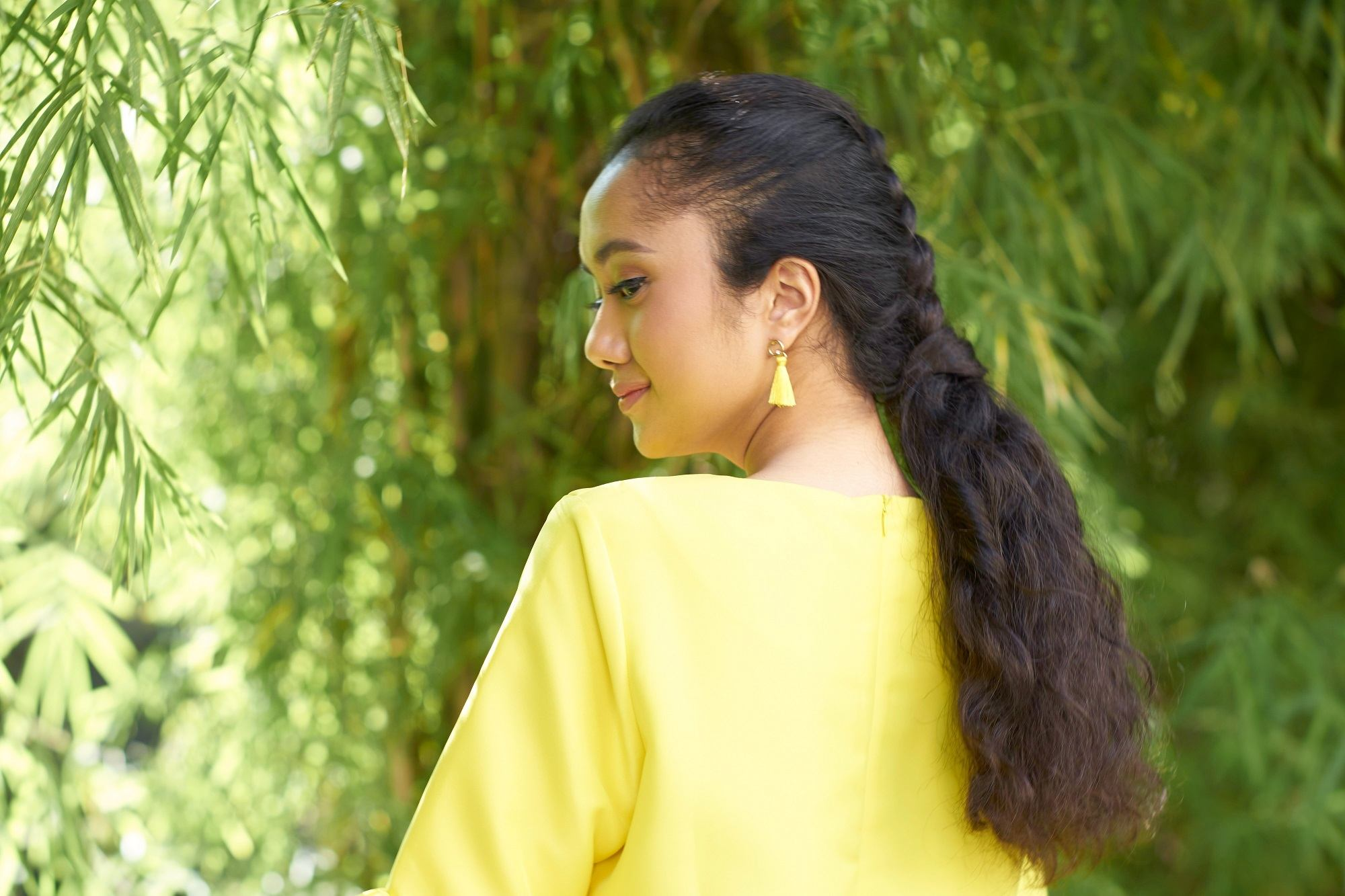 gaya rambut untuk wajah berjerawat inverted braid