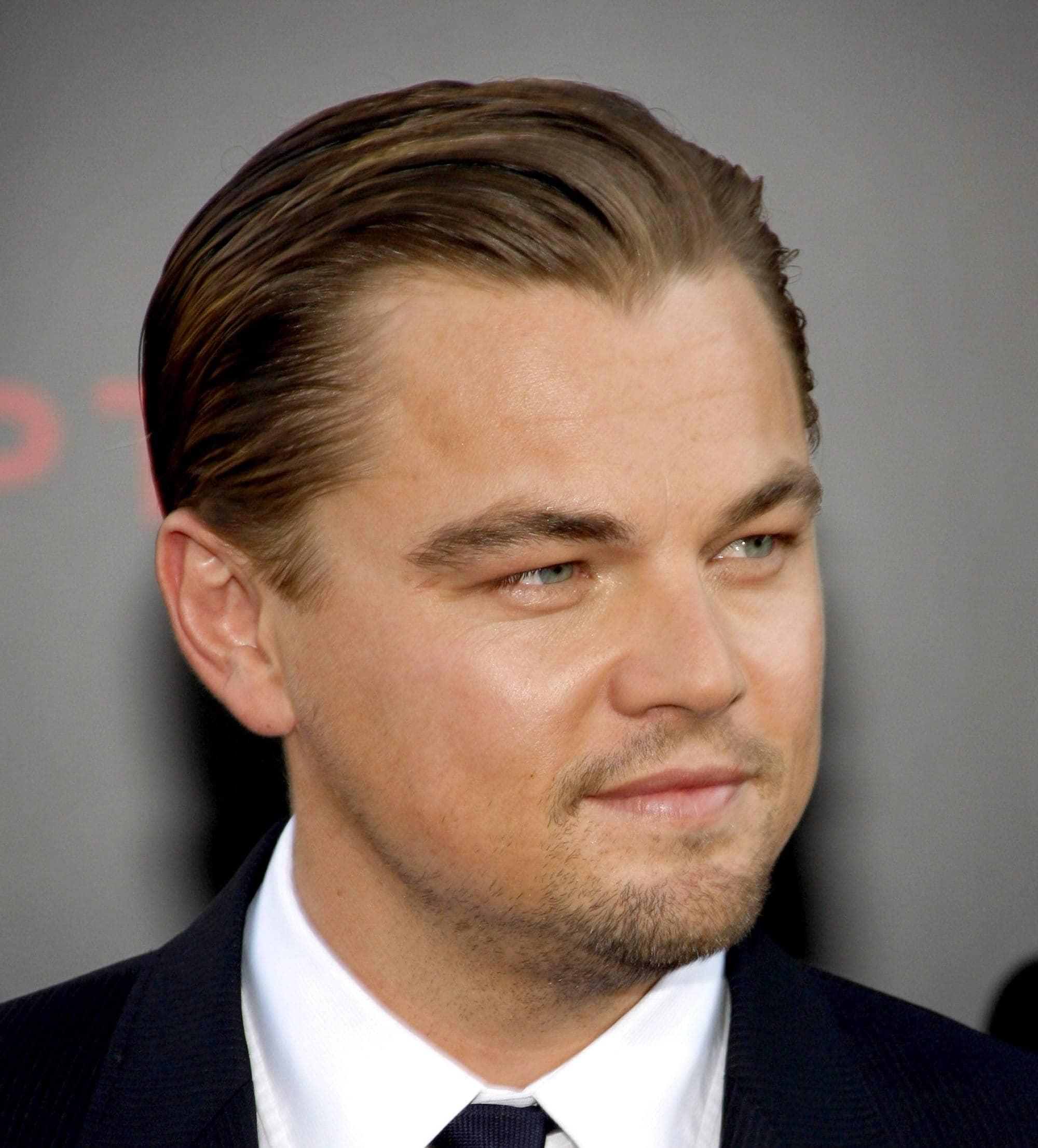 model rambut slicked back kekinian untuk pria