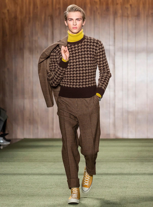 Model rambut pria side swept