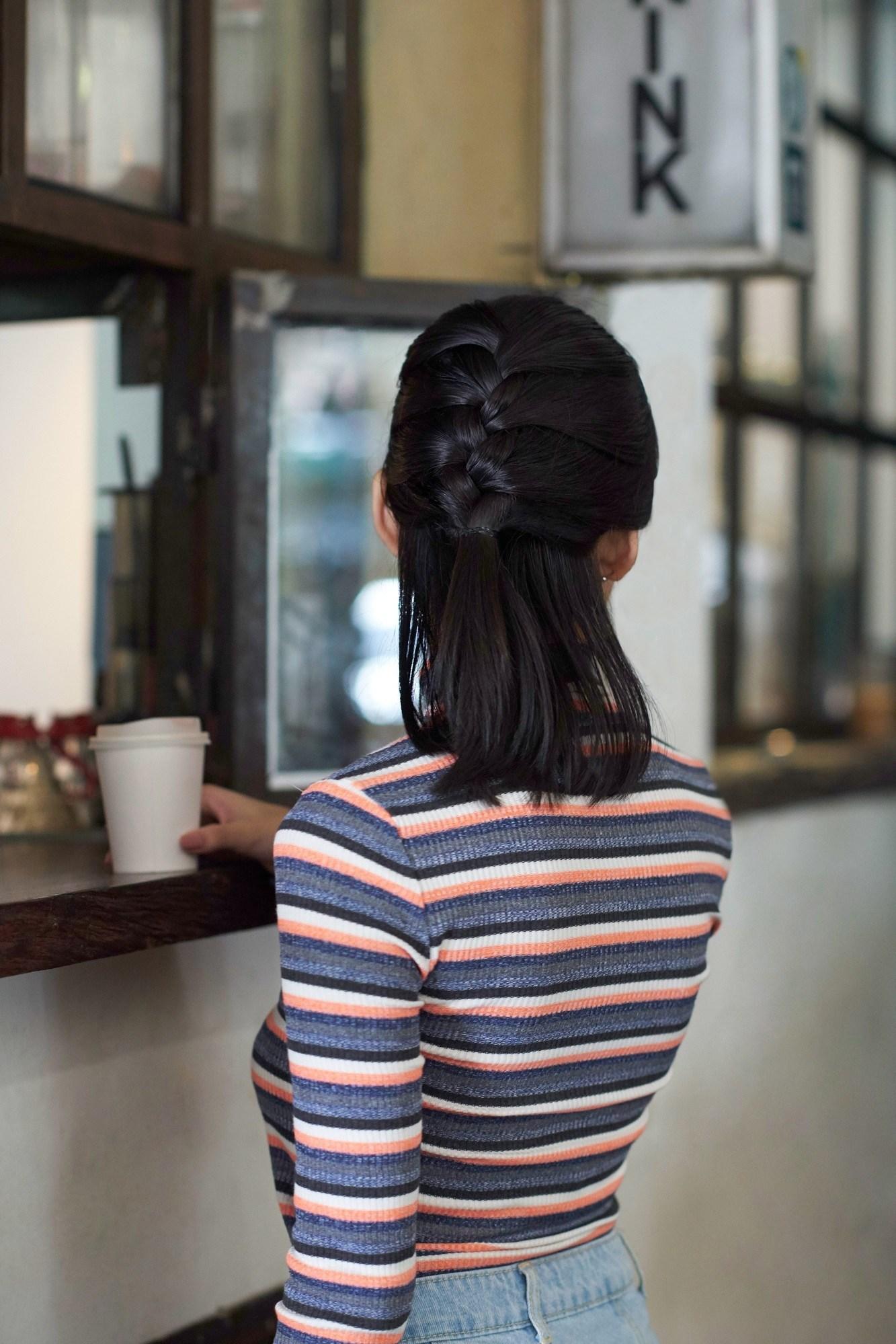 gaya rambut half french braid