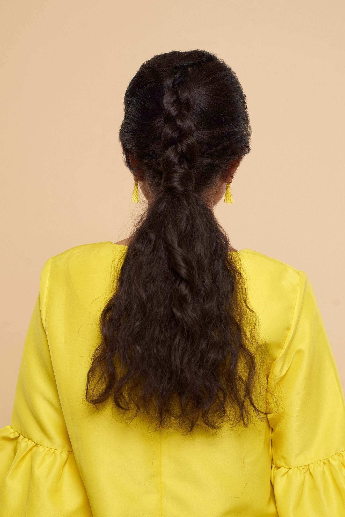 gaya rambut inverted braid