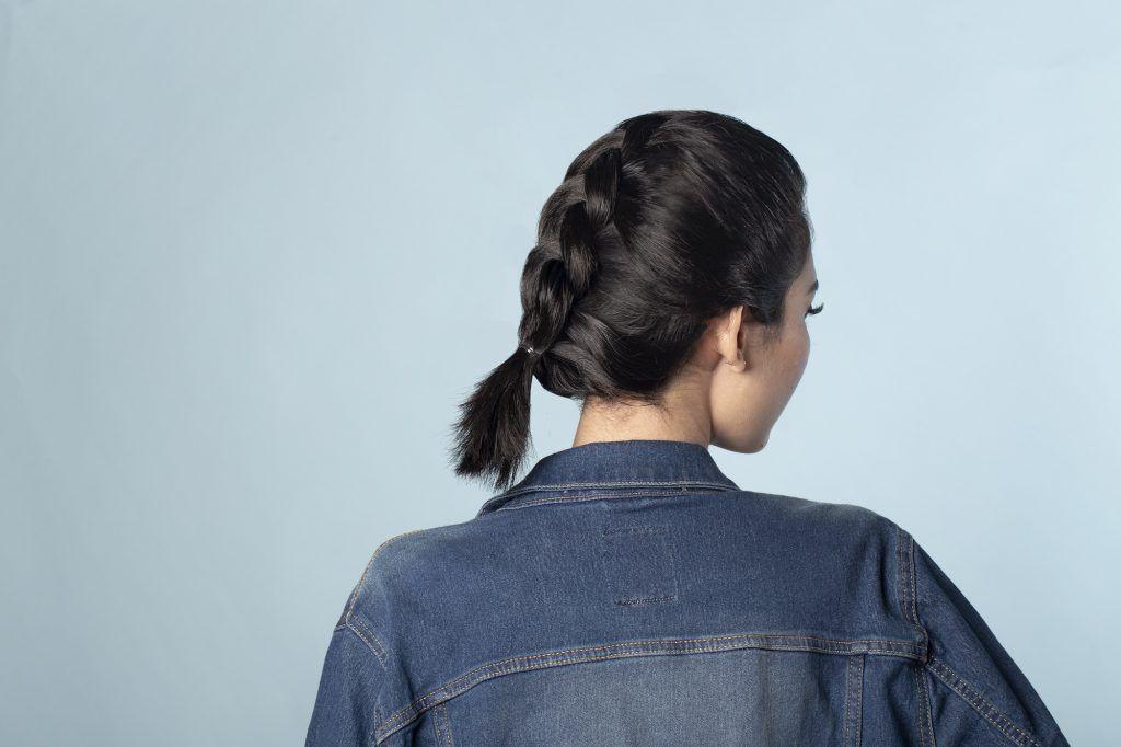 gaya rambut Chunk Dutch Braid