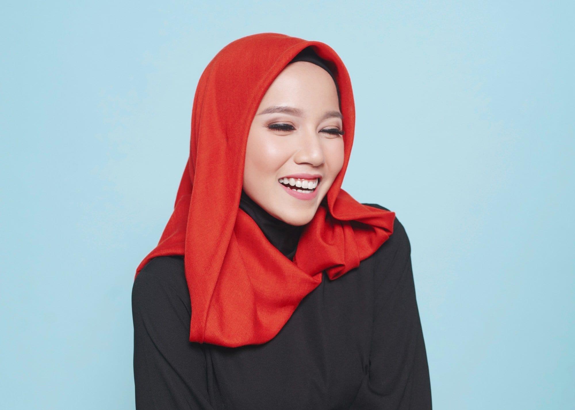 Gaya Hijab Segi Empat Tanpa Jarum Pentul Yang Praktis