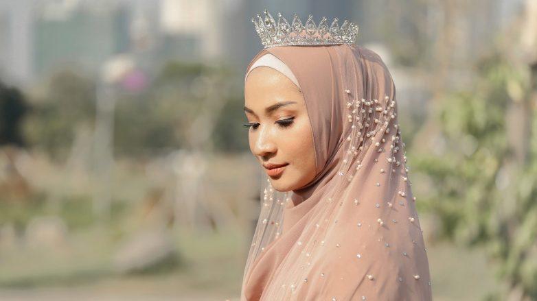 tutorial-hijab-nikah-8-782x439.jpg