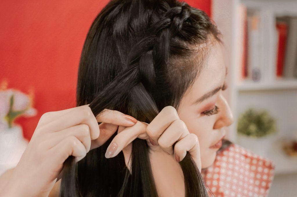 4. kepang rambut