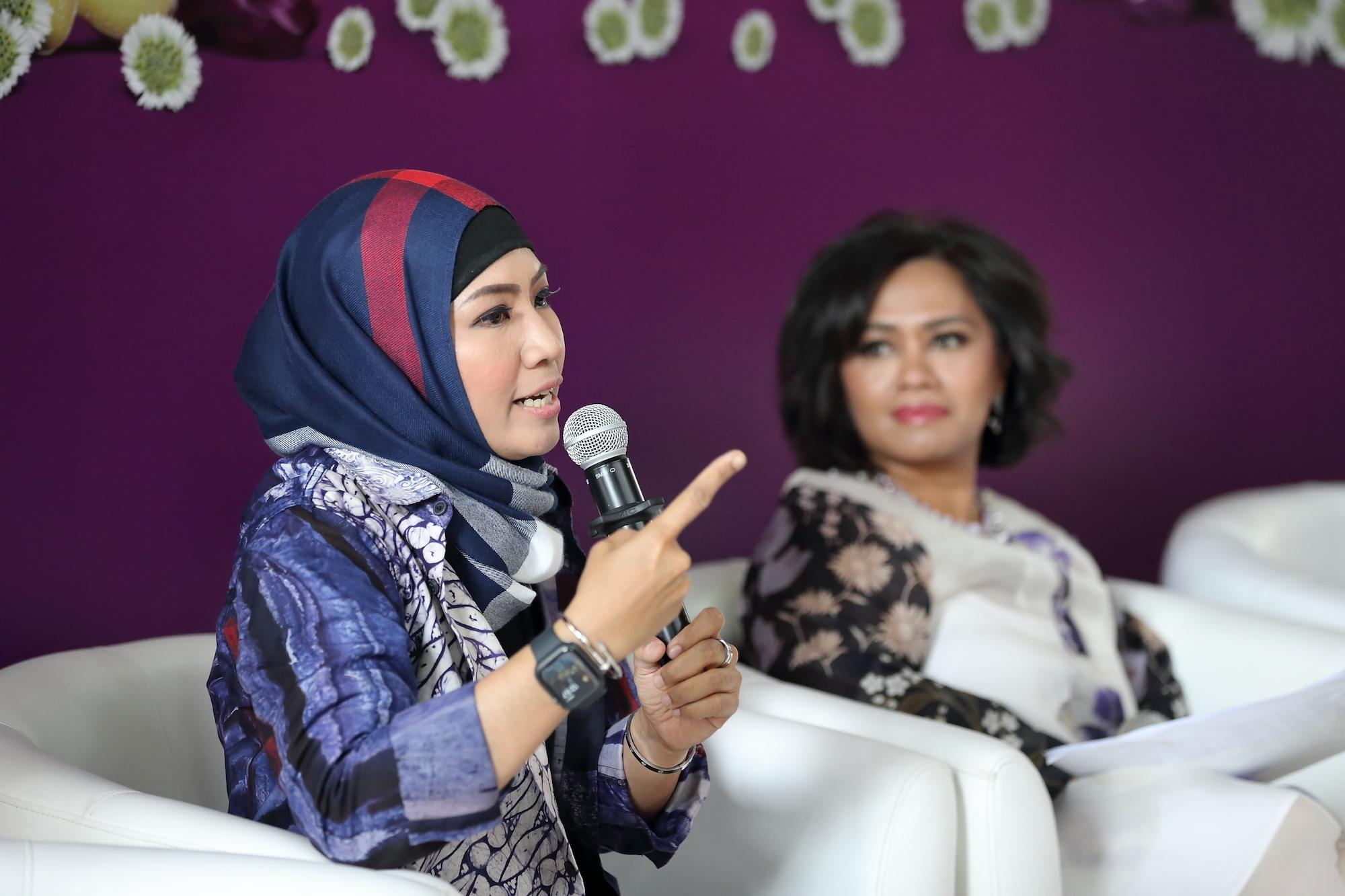 Devi Rachmawati pada press conference campaign Sunsilk