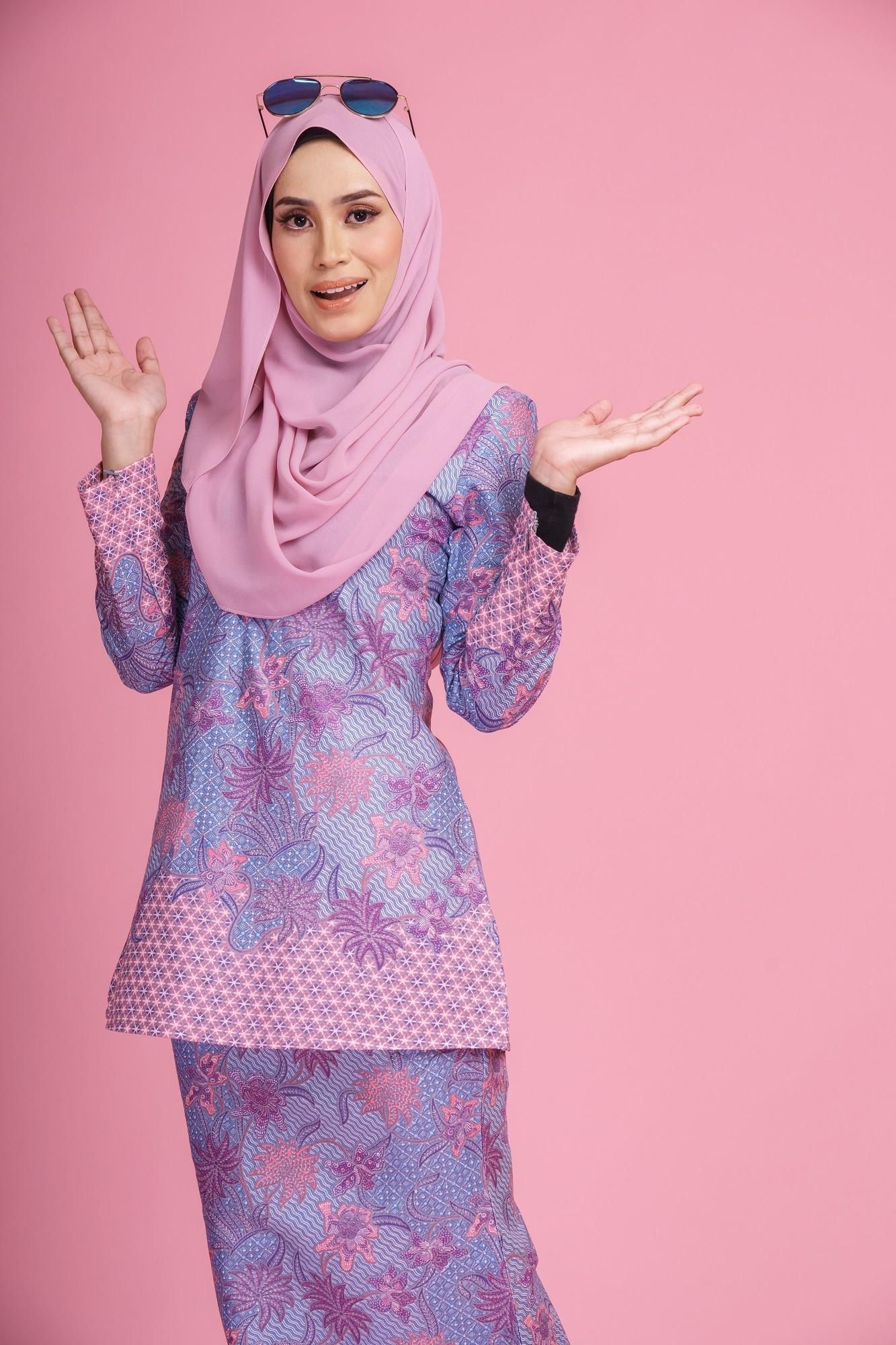 Tutorial Hijab Satin Untuk Kebaya Tampil Istimewa Untuk Lebaran