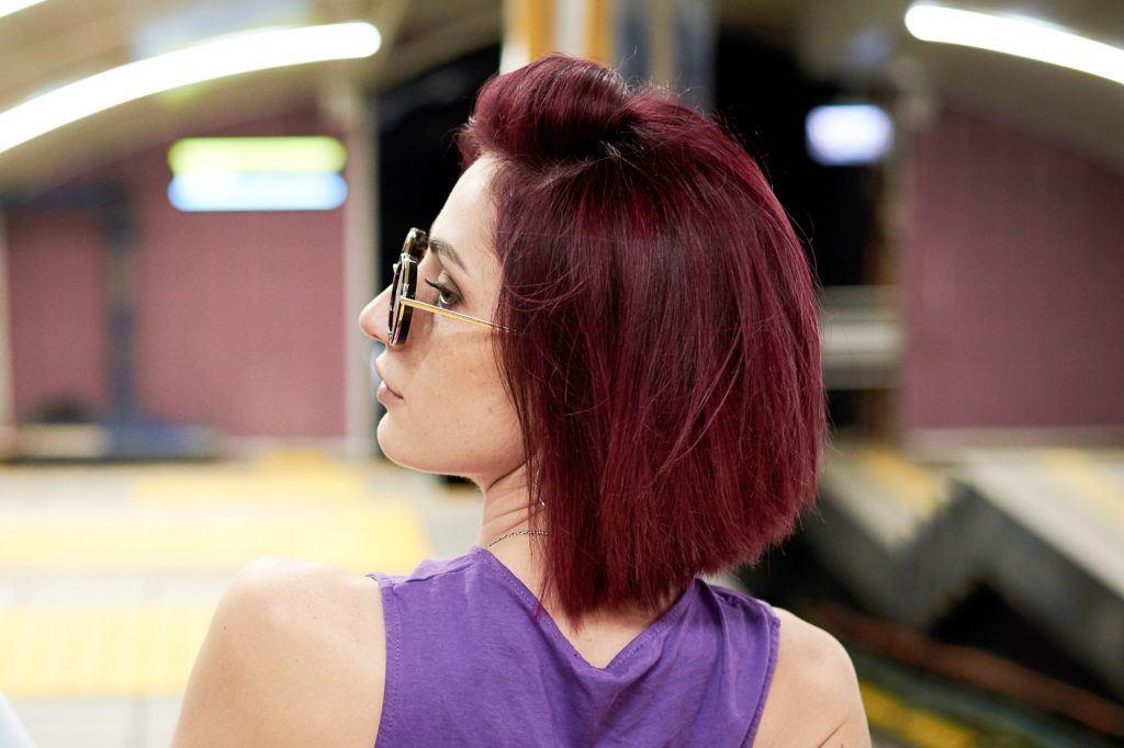 warna rambut maroon gelap