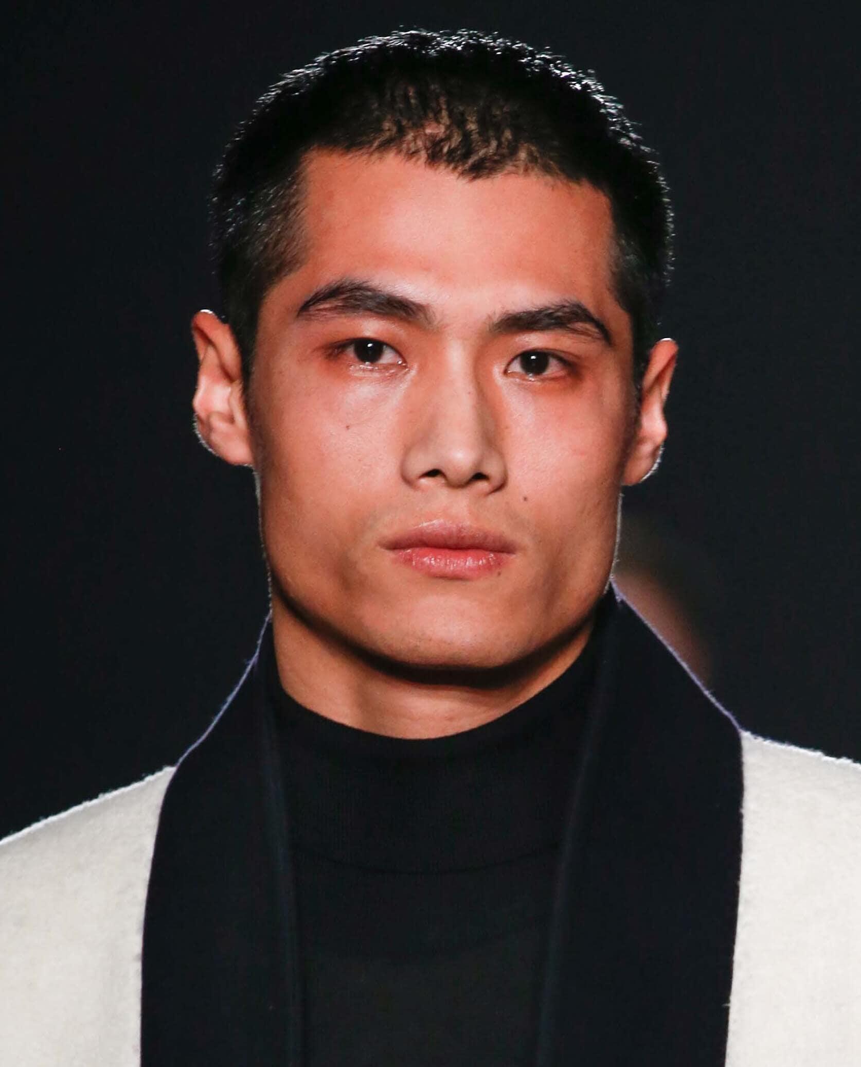 Potongan Rambut Pria Untuk Wajah Kotak - Model Rambut