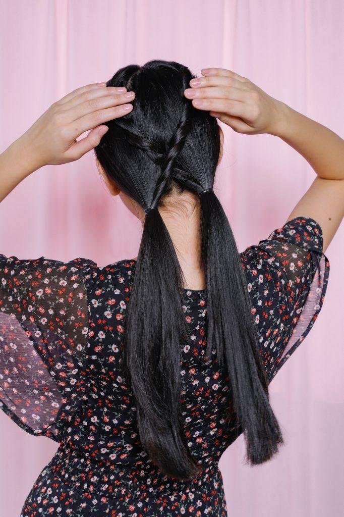 Kepang-rambut-simple-half-updo-bow-1
