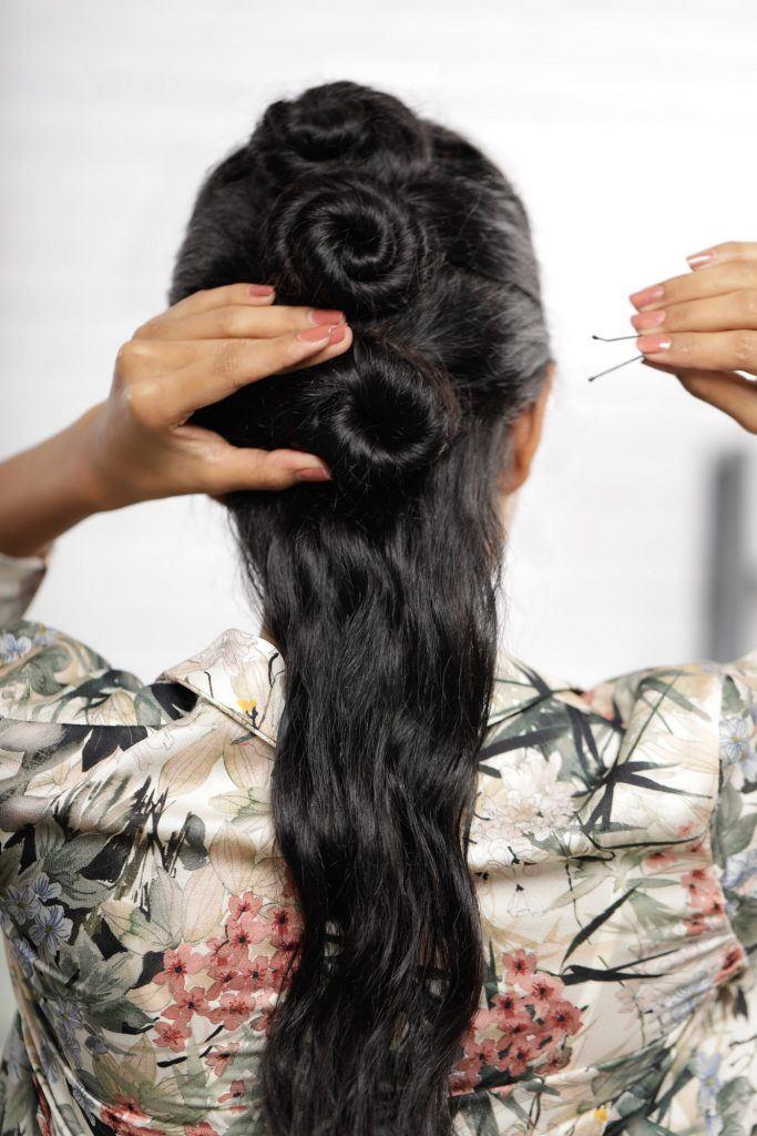 Cara Mengepang Rambut Panjang Keriting