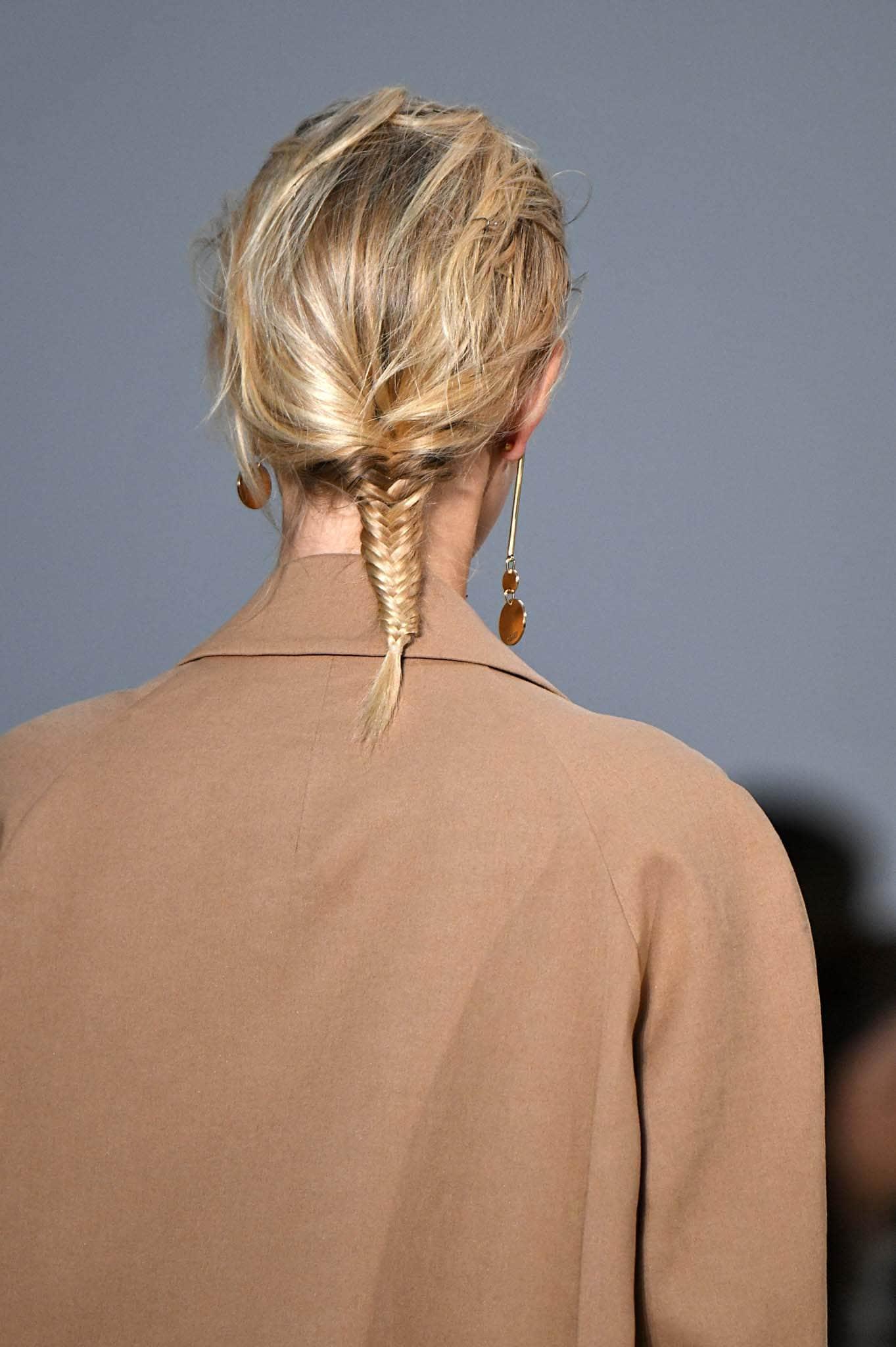Peinado con trenza espiga