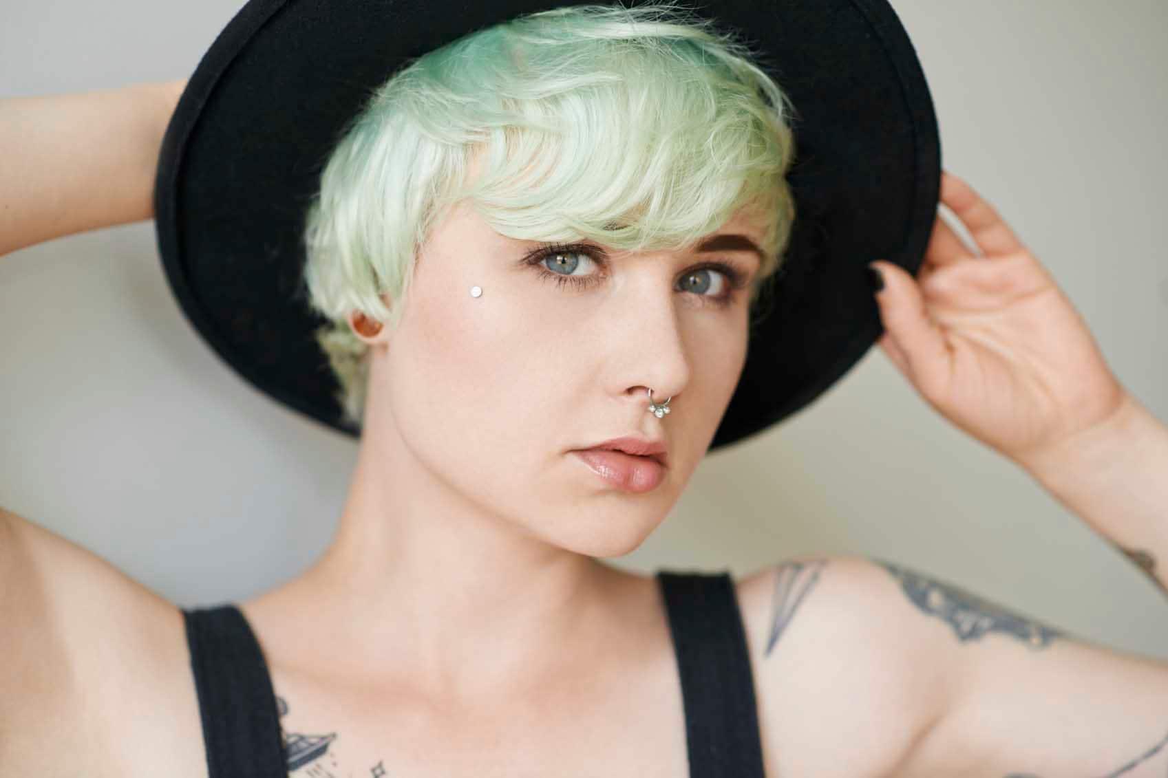 pelo color verde tintura fantasía pixie flequillo sombrero accesorio