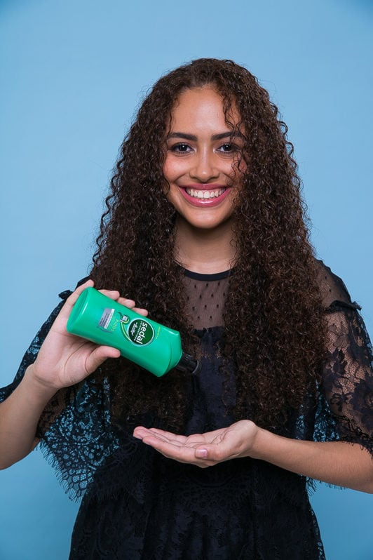 paso a paso cuidado del pelo producto Sedal Crema para Peinar Rizos Definidos
