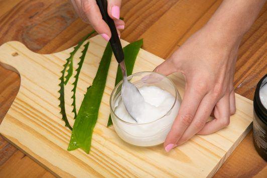 mezcla de aloe vera con crema de tratamiento
