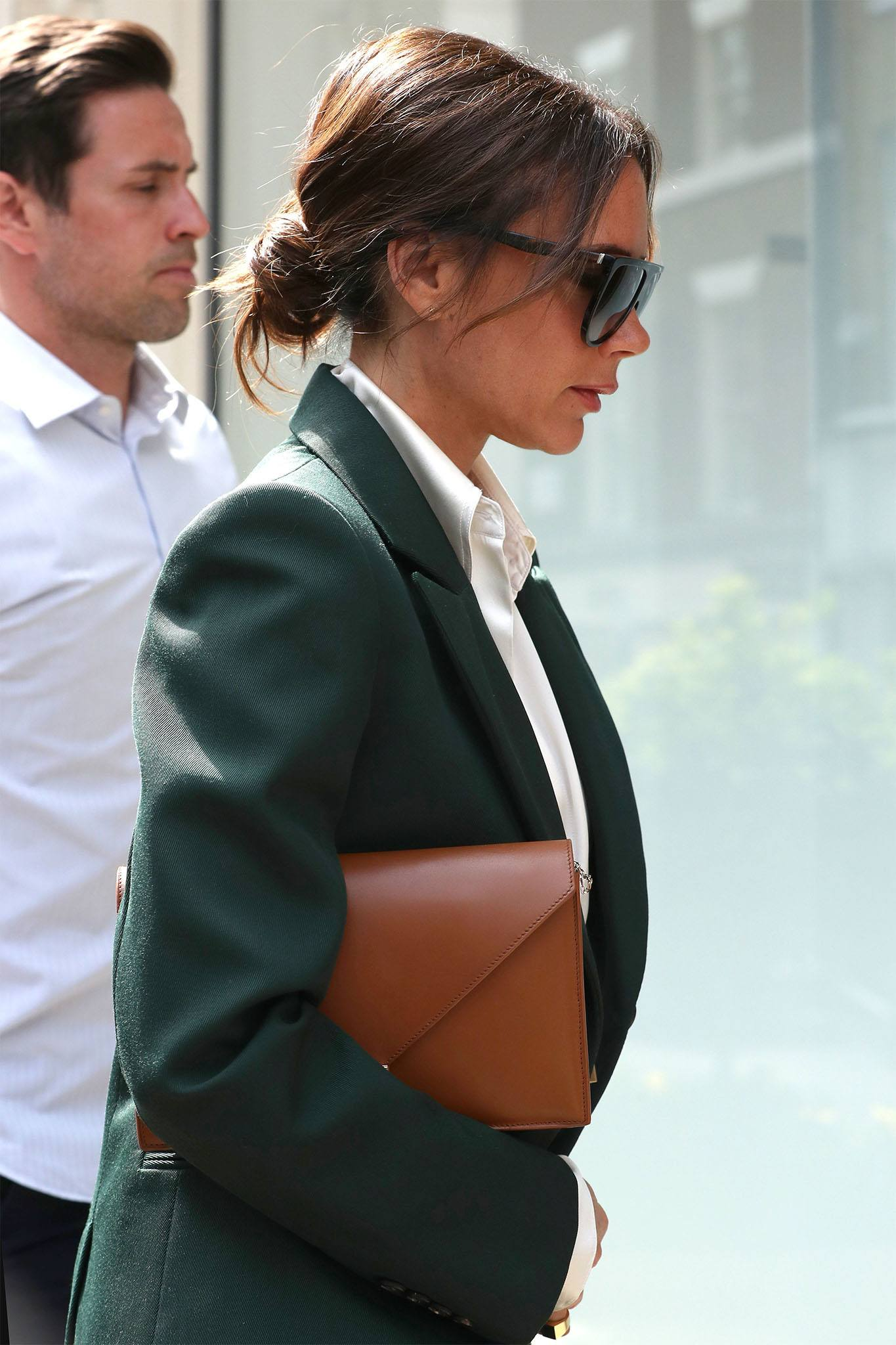 Victoria Beckham con rodete bajo