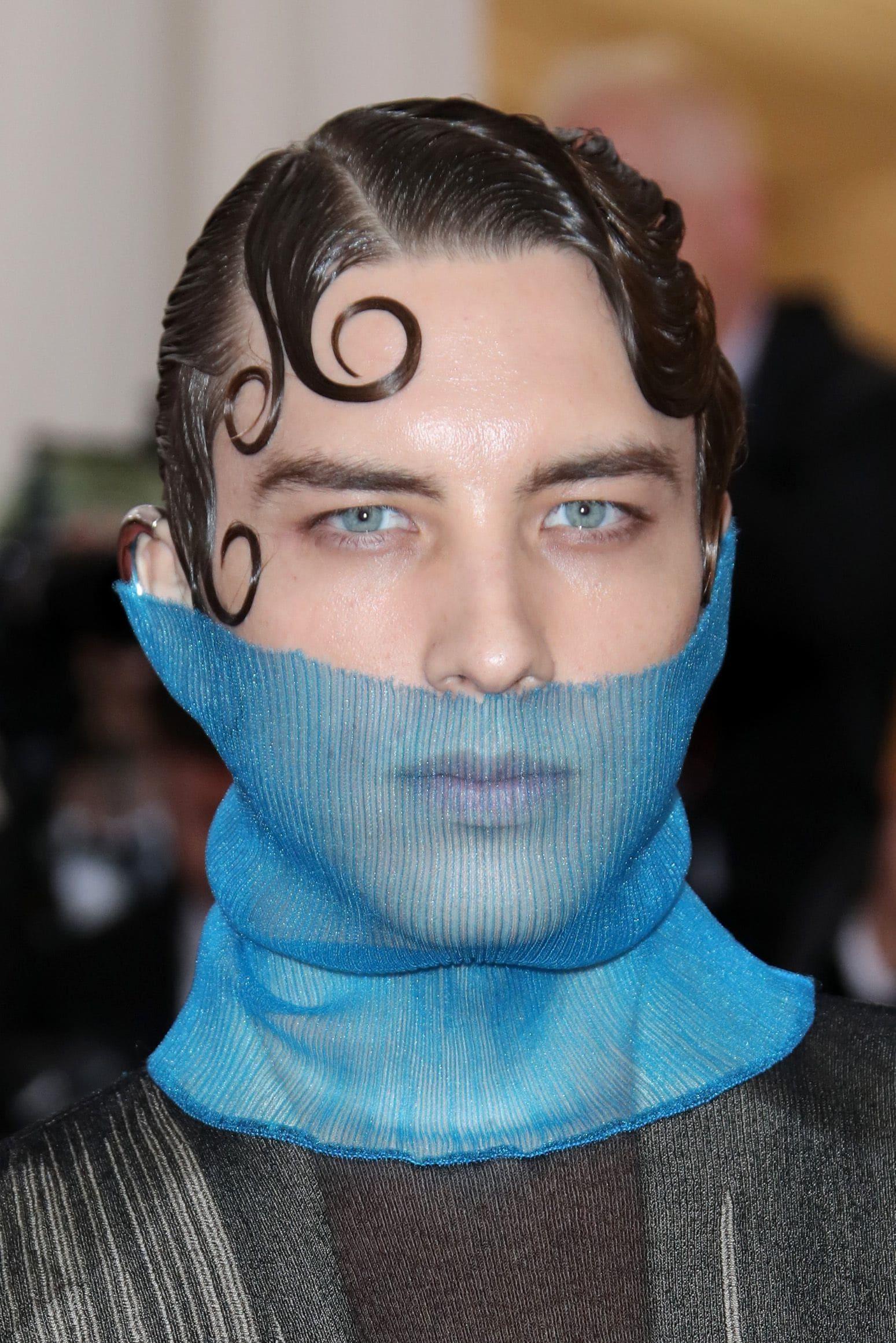 peinado con gel hombre met gala 2019