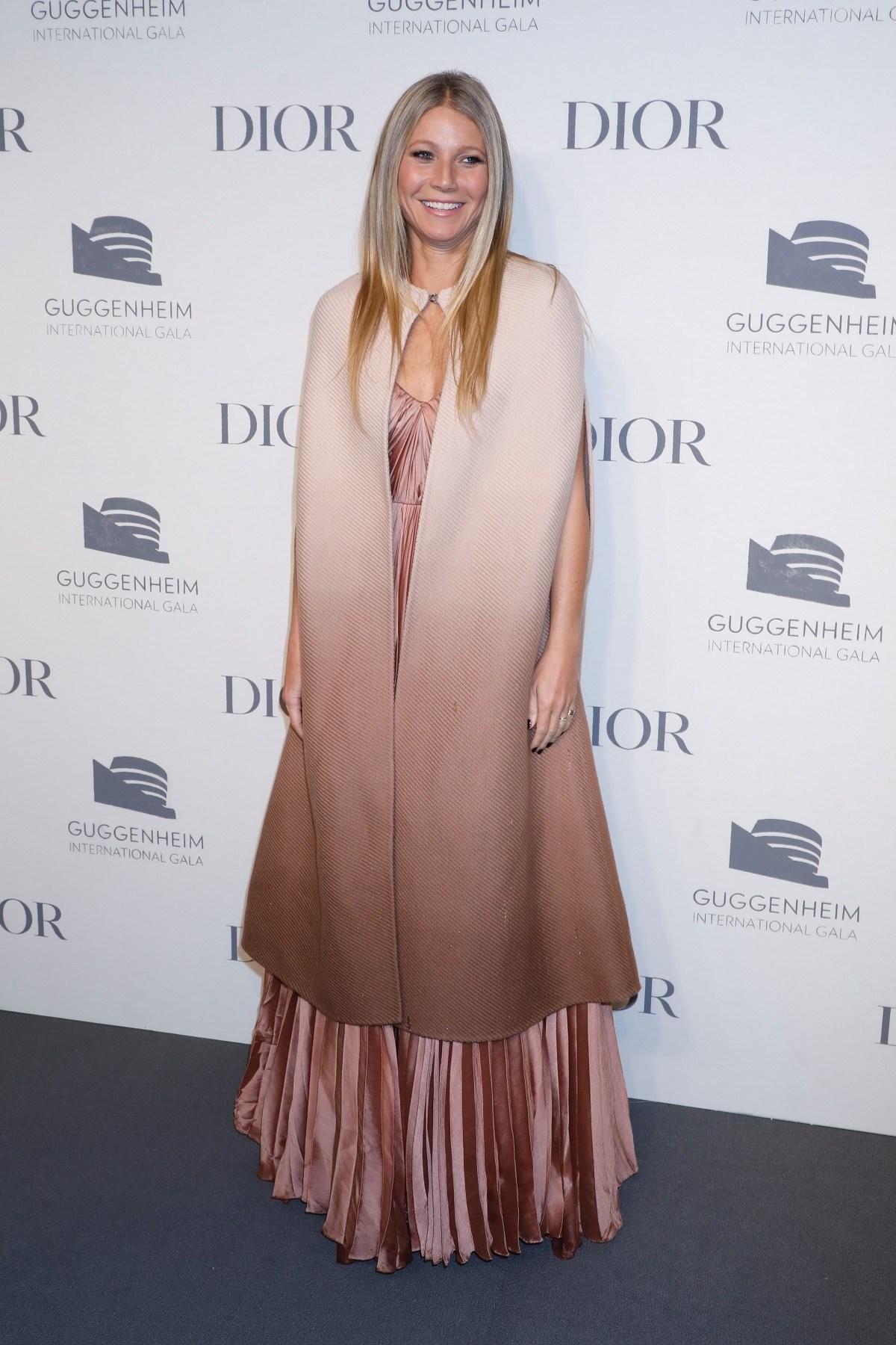 Gwyneth Paltrow con pelo largo lacio en balayge