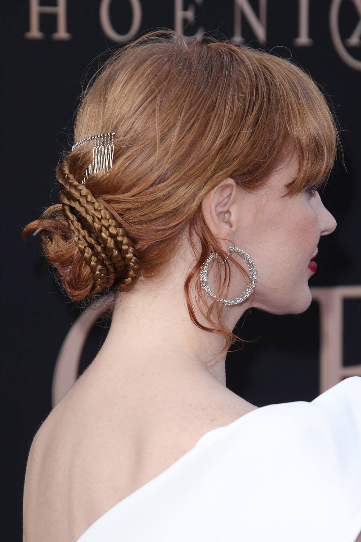 Jessica Chastain con peinado recogido con trenzas